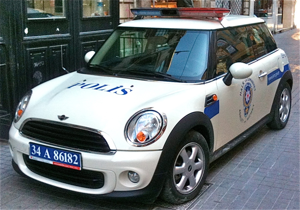 Mini Cooper police car/ Istanbul, Turkey